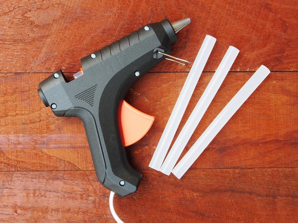 pistolet do kleju